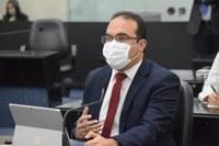 Davi Maia critica construção de barragens ao longo do Canal do Sertão