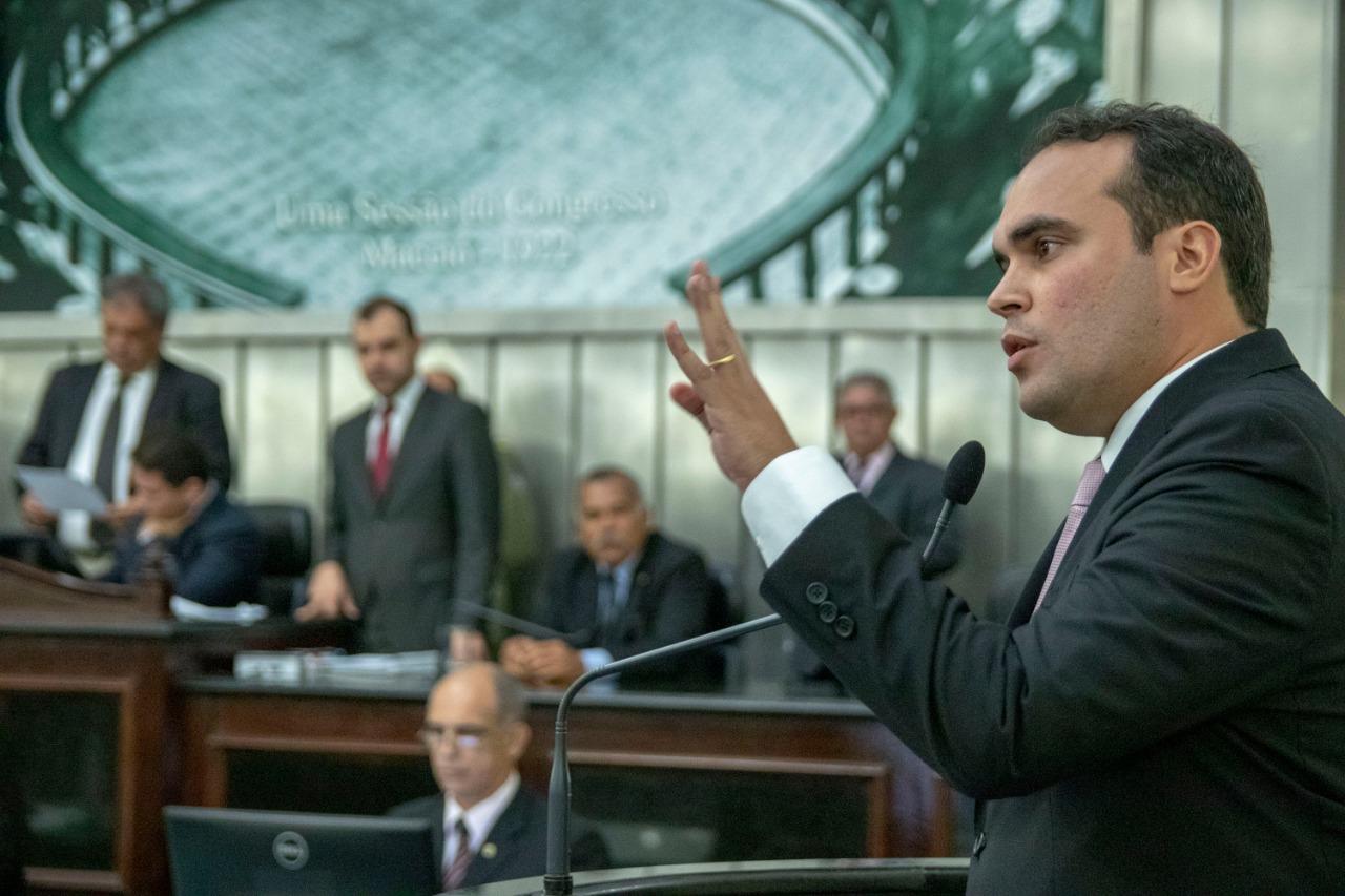 Davi Maia lança processo seletivo para vagas em seu gabinete