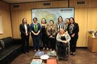 Deputadas se reúnem com ministra da mulher para pedir apoio à Casa da Mulher Alagoana