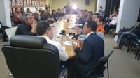 Francisco Tenório se reúne com governador e moradores do Pinheiro