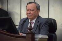 Deputados parabenizam Luiz Dantas pela passagem do seu aniversário