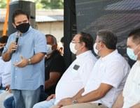 Em Arapiraca, comitiva do Poder Legislativo participa do ato de entrega de equipamentos, que teve a presença de Arthur Lira