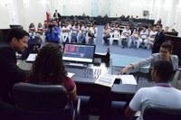 Estudantes da Escola Rosalvo Ribeiro conhecem as dependências e o funcionamento do Legislativo