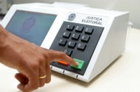 Faltam 19 dias: pioneiro, sistema eletrônico de votação fortalece transparência do processo eleitoral