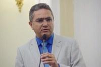 Francisco Tenório solicita ao DER limpeza das margens de rodovias