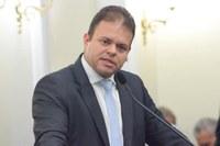 Leo Loureiro rebate matéria questionando sua assiduidade às sessões plenárias