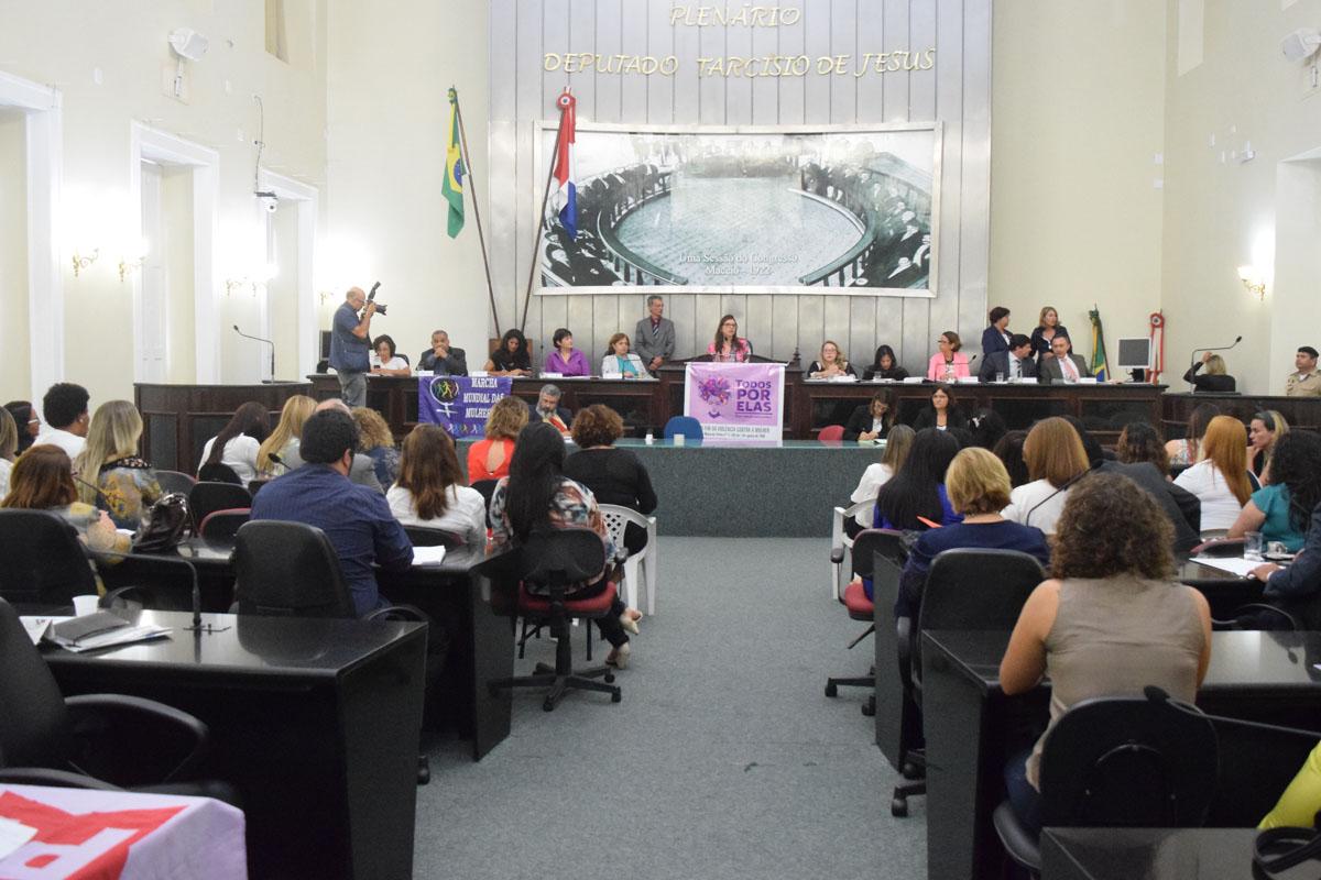 Números do Mapa da Violência e combate ao homicídio de mulheres são debatidos em plenário