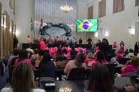 """Palestras e debates marcam sessão especial sobre o """"Outubro Rosa"""""""