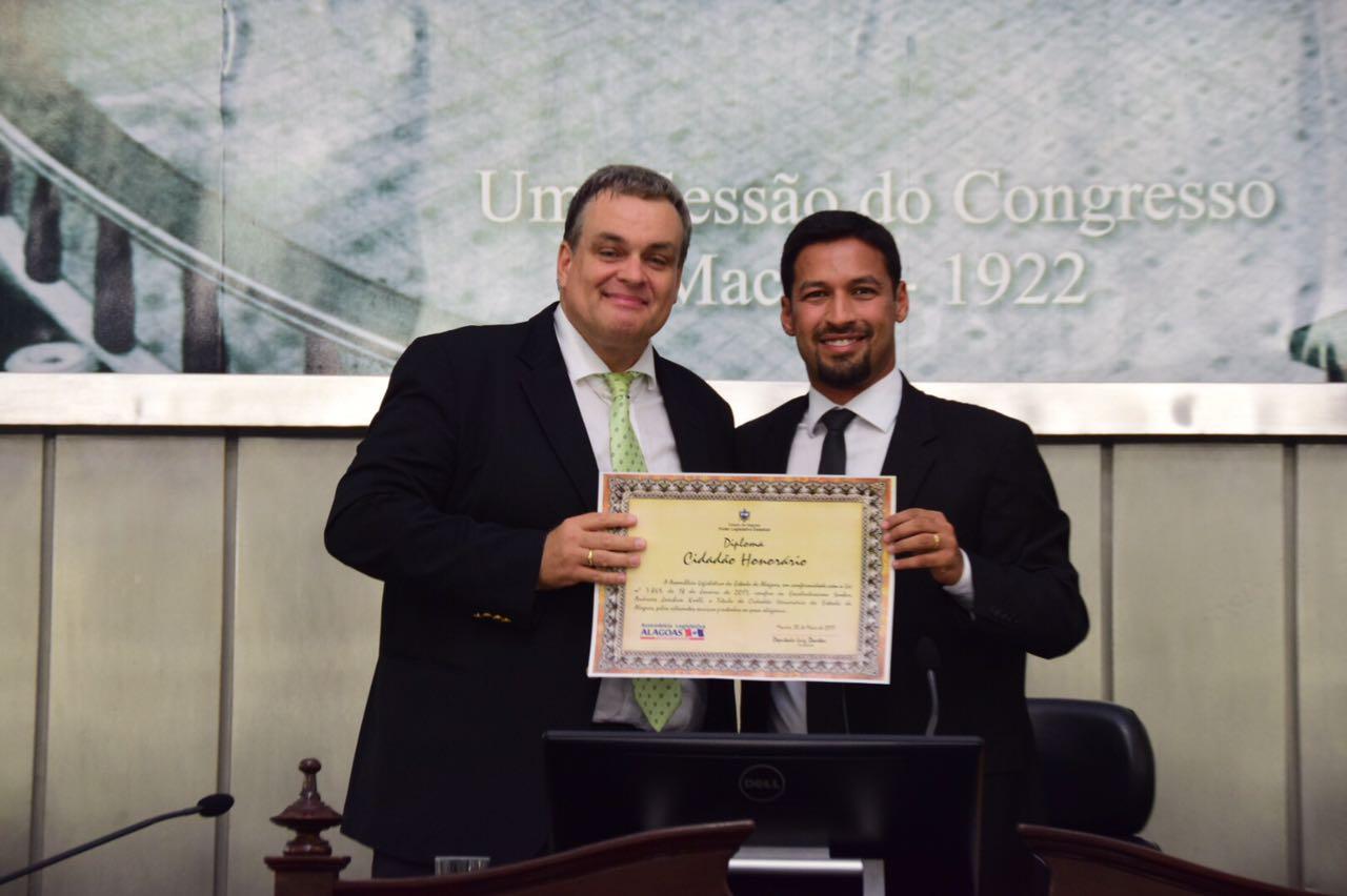 Professor Andreas Krell recebe título de cidadão alagoano