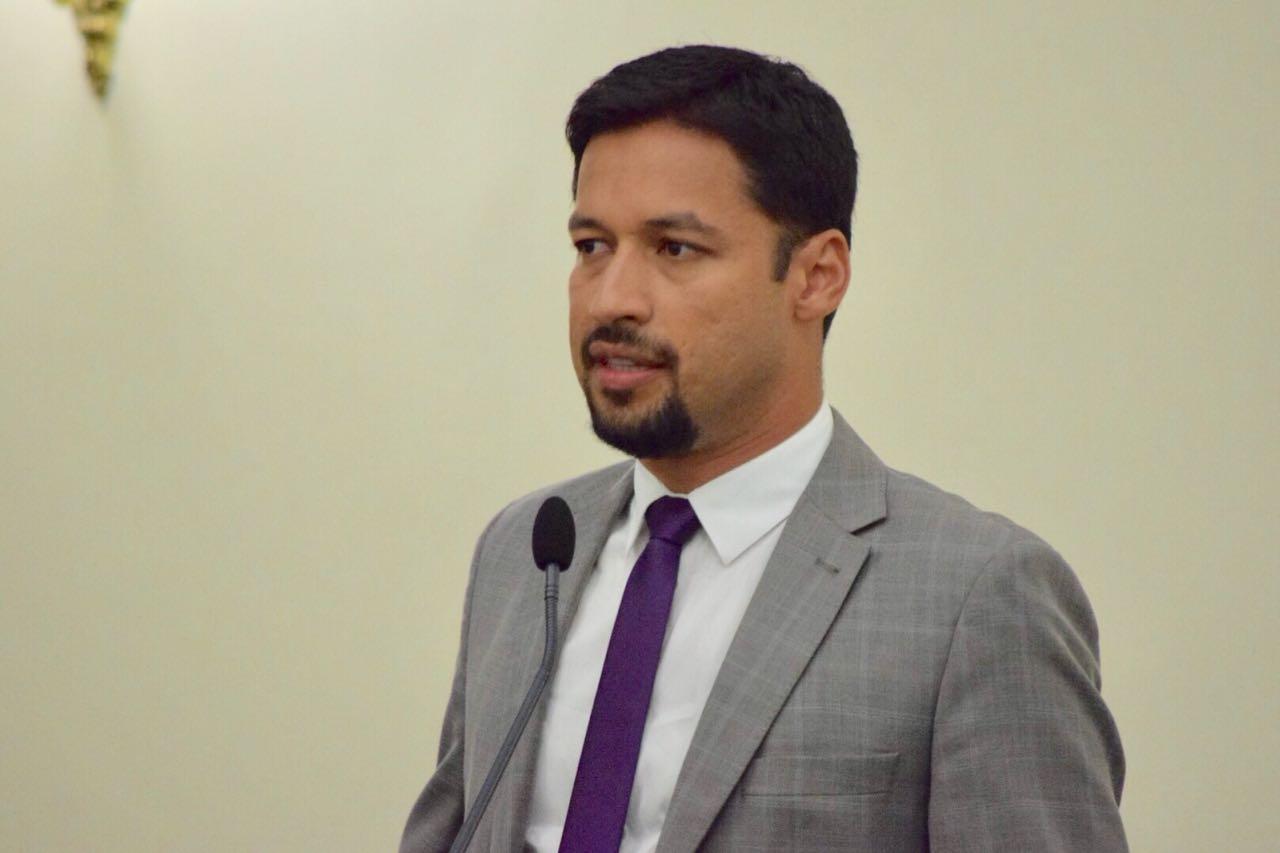 Rodrigo Cunha cobra análise de projeto que trata sobre a Lei da Transparência
