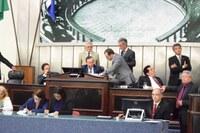 Vetos do Executivo são analisados em plenário